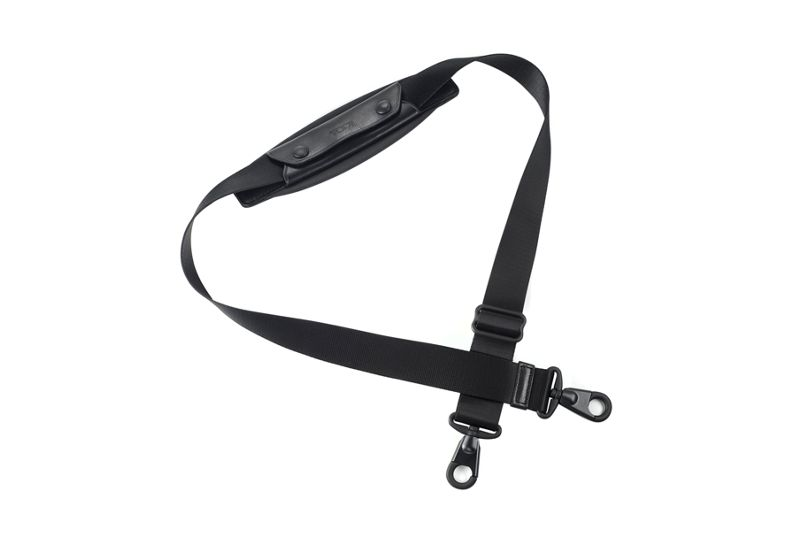 1 1/2 Shoulder Strap with Black Hardware in Black