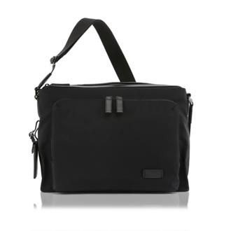 FOREST UTILITY BAG Black - medium | Tumi Thailand