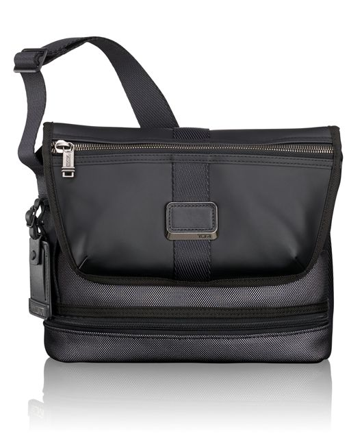 Travis Crossbody in Reflective Silver