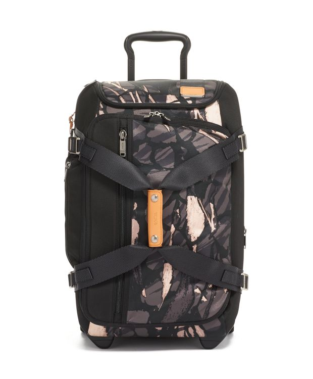 Wheeled Duffel Packing Case in Grey Highlands Print