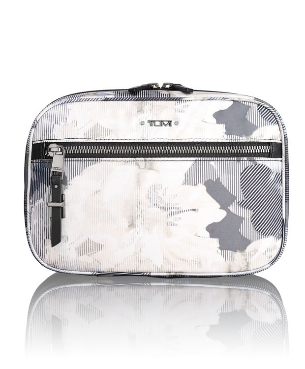 Yima Cosmetic in Camo Floral