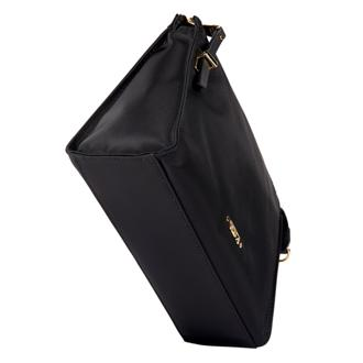 BASEL SM TRIANGLE POUCH Black - medium | Tumi Thailand