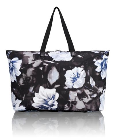1a6875692 Just In Case® Tote - Voyageur - Tumi Canada - Photo Floral