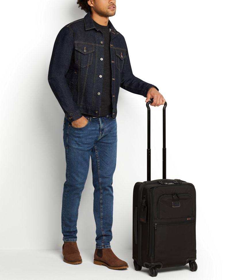 黑國際四輪手提行李箱