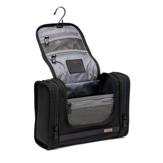 Hanging Travel Kit in Black c07b9e10d9a34
