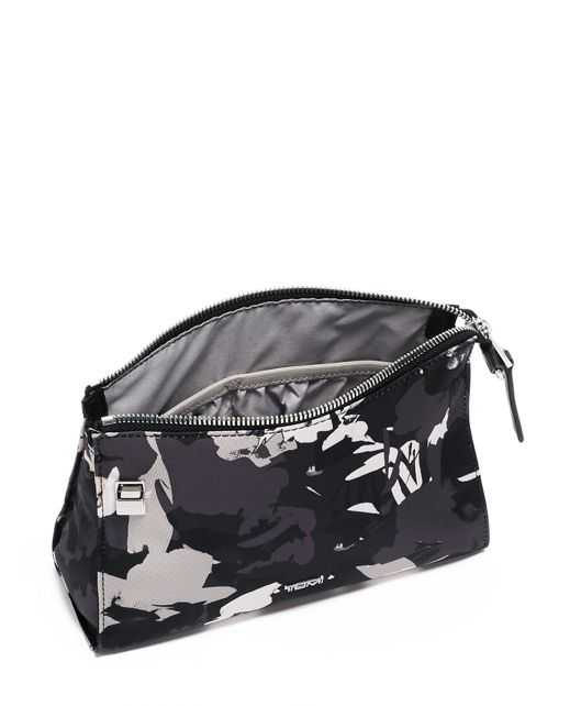 BASEL SM TRIANGLE POUCH Grey - large | Tumi Thailand