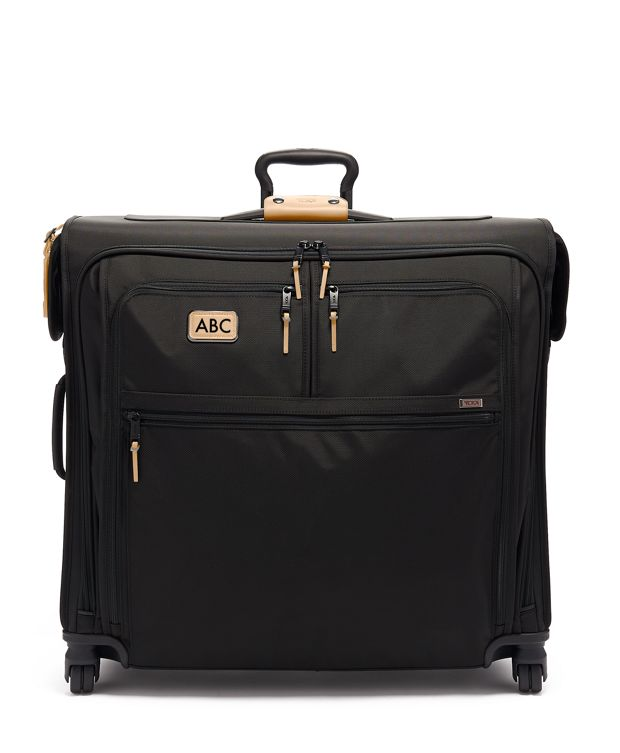 Extended Trip 4 Wheeled Garment Bag in Grey Highlands Print