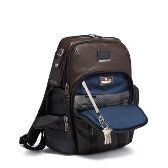 NORMAN BACKPACK DARK BROWN - medium | Tumi Thailand