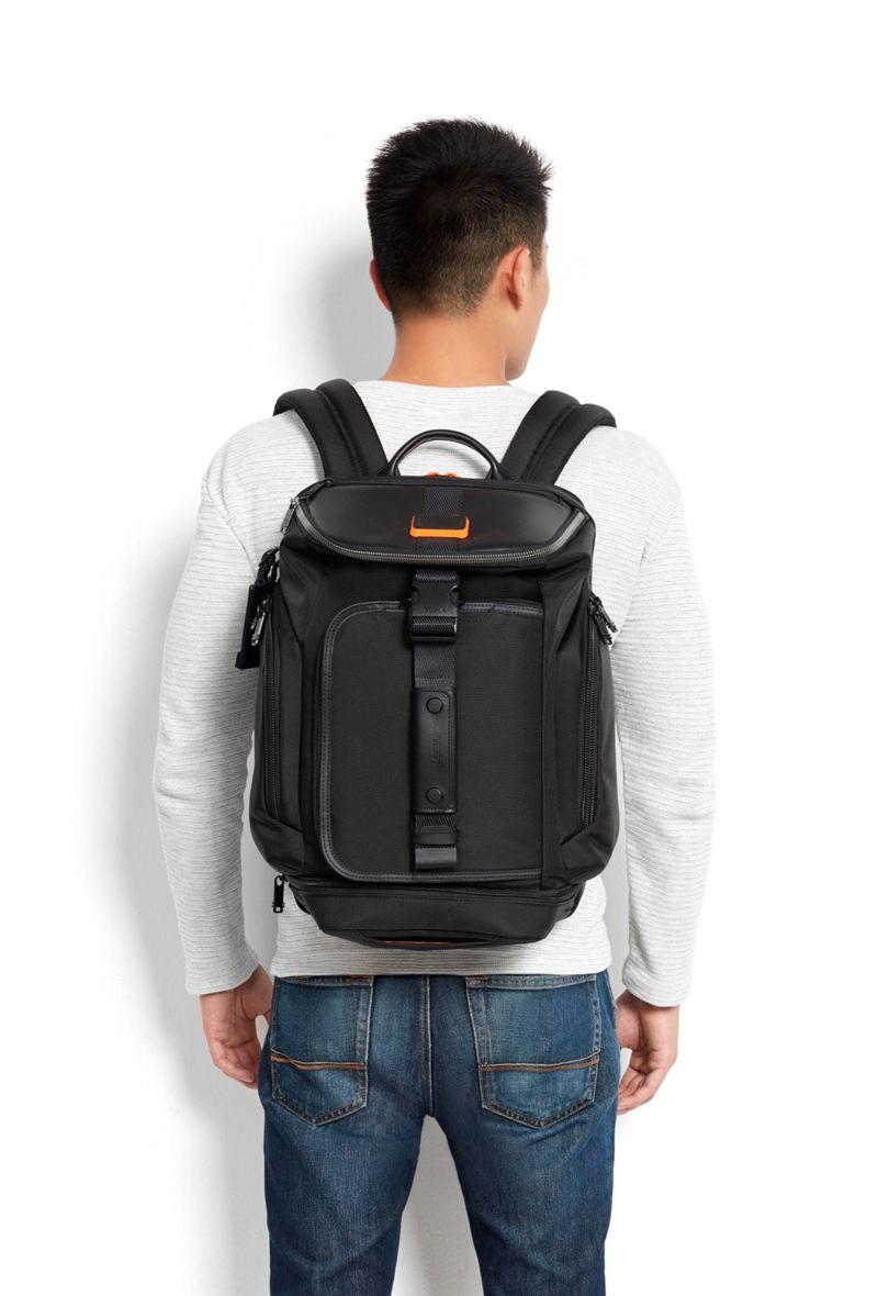 黑/橙小号二合一双肩包/旅行袋
