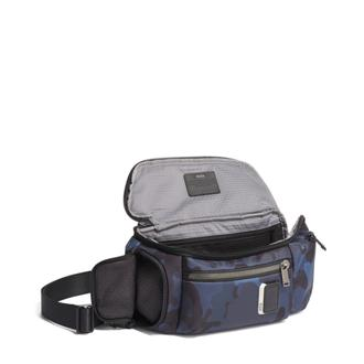 KELLEY SLING NAVY CAMFL - medium | Tumi Thailand
