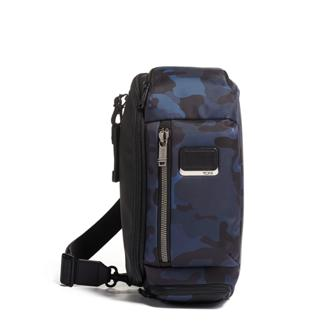 KELLEY SLING Navy Camouflage - medium | Tumi Thailand