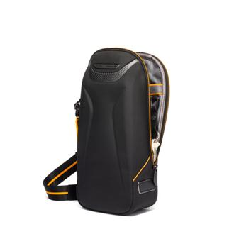 TORQUE SLING Black - medium | Tumi Thailand