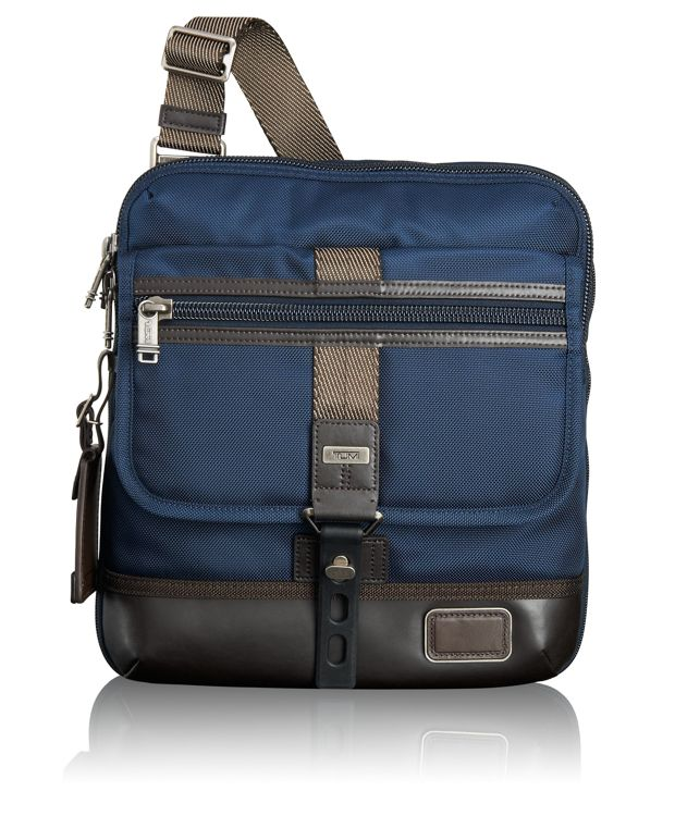 Annapolis Crossbody Zip Flap in Navy