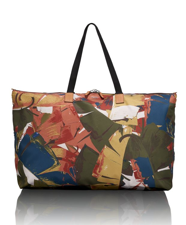 Just In Case® Tote in Banana Leaf Print