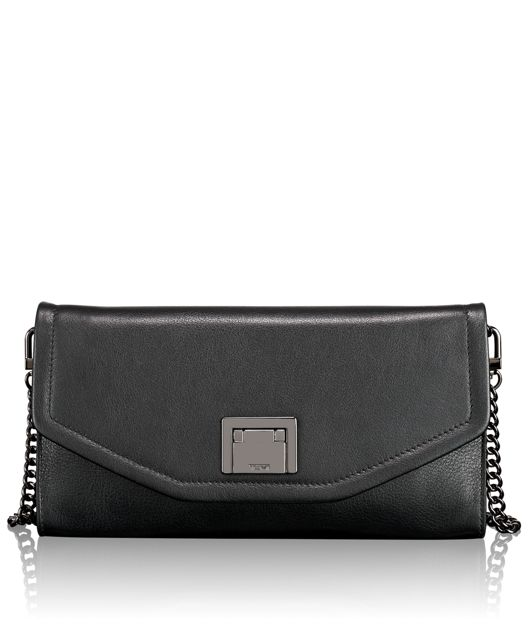 Mia Clutch in Black
