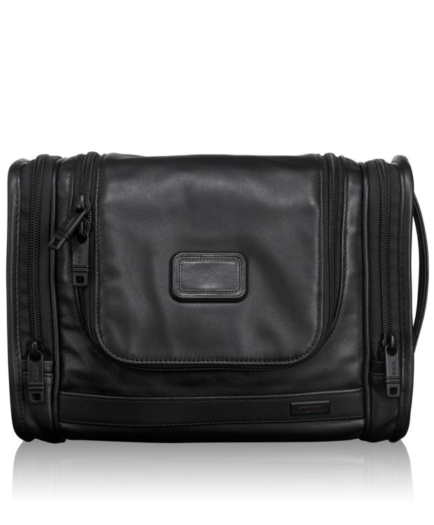 Hanging Leather Travel Kit in Black